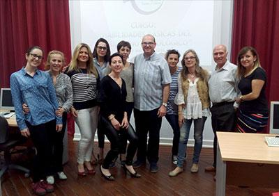LA DIRECTIVA DE ACALUCA RECIBE UN CURSO DE HABILIDADES BÁSICAS DEL VOLUNTARIADO ONCOLÓGICO